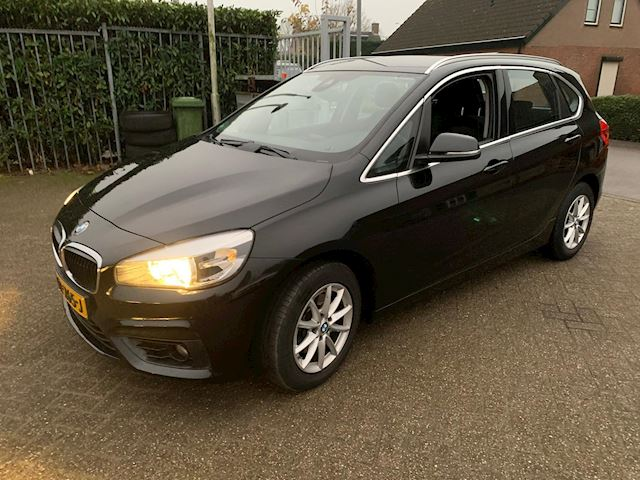 BMW 2-serie Active Tourer 218d Essential automaat