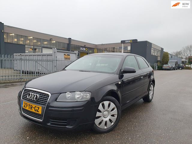 Audi A3 1.6 Attraction Pro Line/AIRCO/CRUISE/ 2 X SLEUTELS