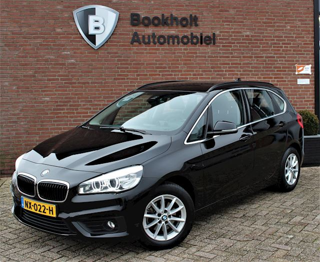 BMW 2-serie Active Tourer 218i Leer, HUD, Trekhaak, LED, High Executive