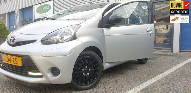 Toyota /52.000km/Airco/Bluetooth/Nw APK/Garantie/2014