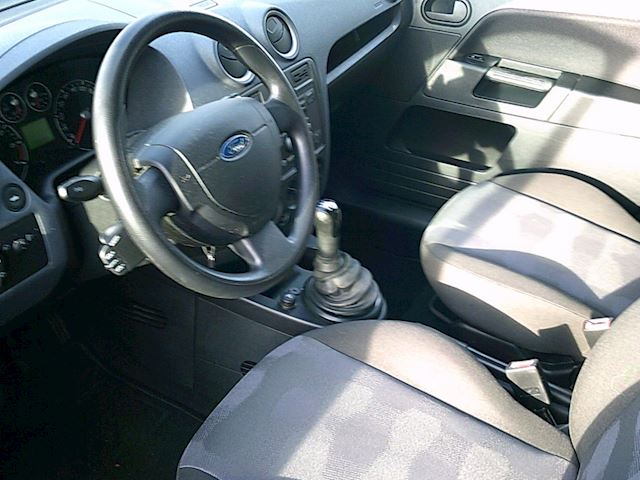 Ford Fusion 1.4-16V Cool & Sound