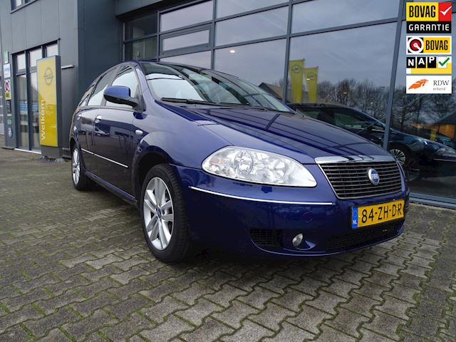 Fiat Croma 2.2-16V AUTOMAAT  Dynamic 1500 kg aanh. gew.