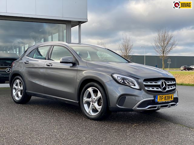 Mercedes-Benz GLA-klasse 180 URBAN AUTOMAAT , trekhaak , apple carplay