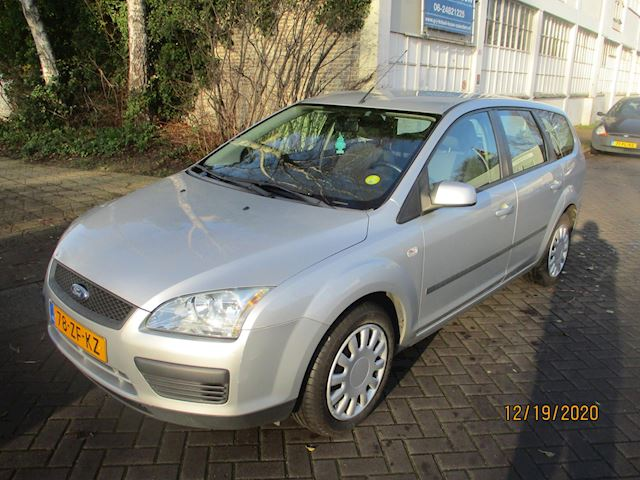 Ford Focus Wagon 1.4-16V Trend
