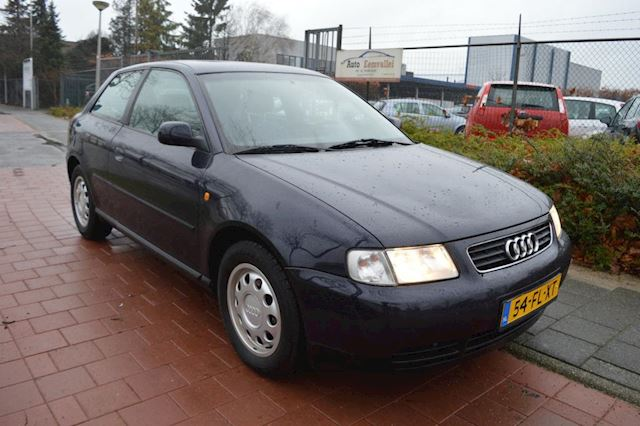 Audi A3 1.6 Attraction automaat ECC leuke auto