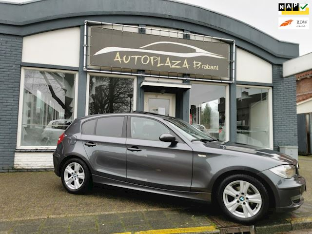 BMW 1-serie 116i / PANO/ CLIMA/ CRUISE/ PDC/ 16 INCH/ USB/ STOELVERW/ ISO/ 5DRS