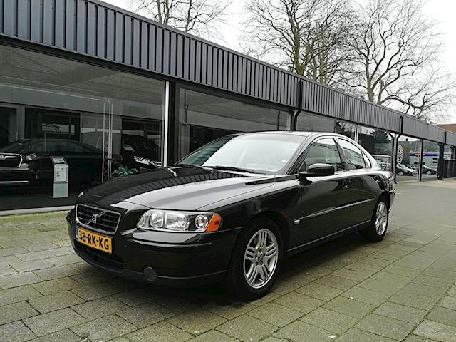 Volvo S60 2.4 Sports Edition Autmaat/Dealer oh/Navi/Clima/Cruise/Trekhaak/Nette auto/Automatisch dimmende binnenspiegel
