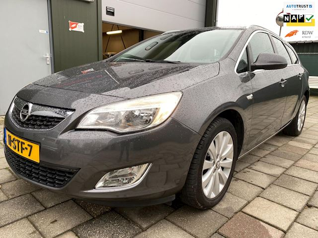 Opel Astra Sports Tourer 1.4 Turbo Cosmo Aut Navi Volle auto