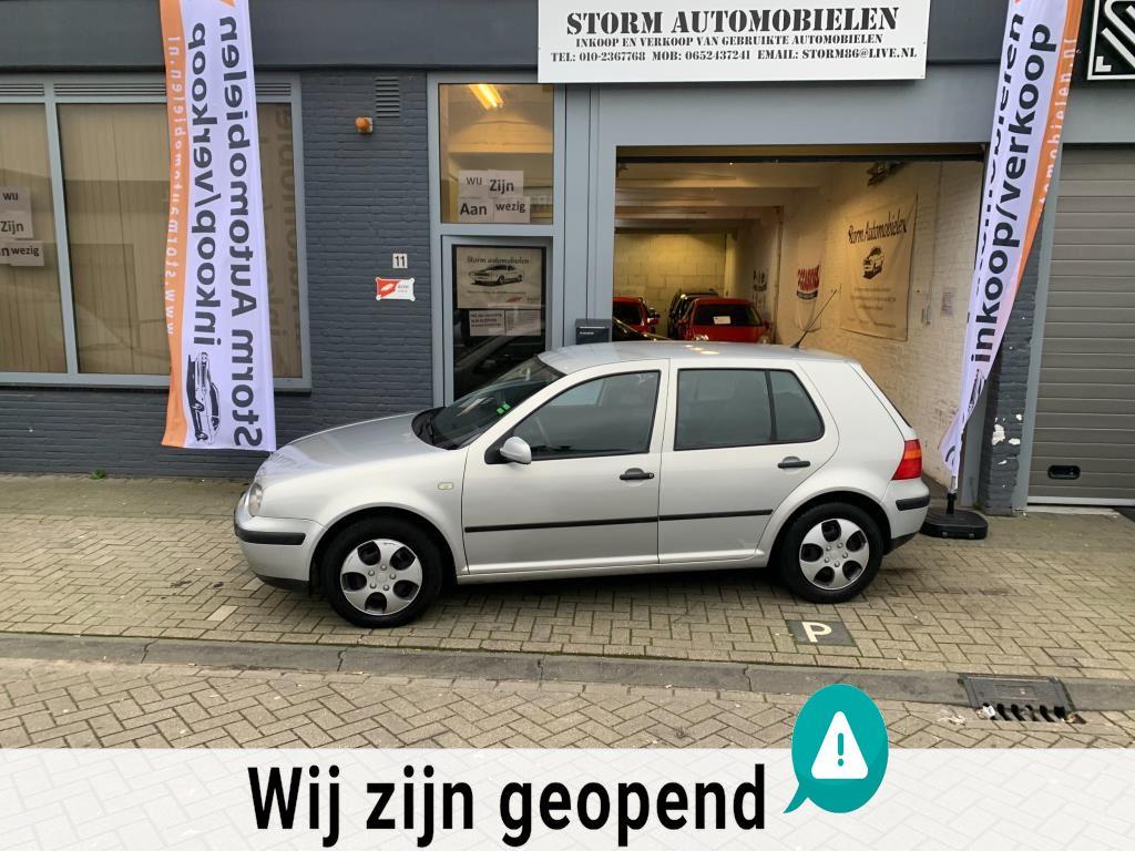 Volkswagen Golf occasion - Storm Automobielen