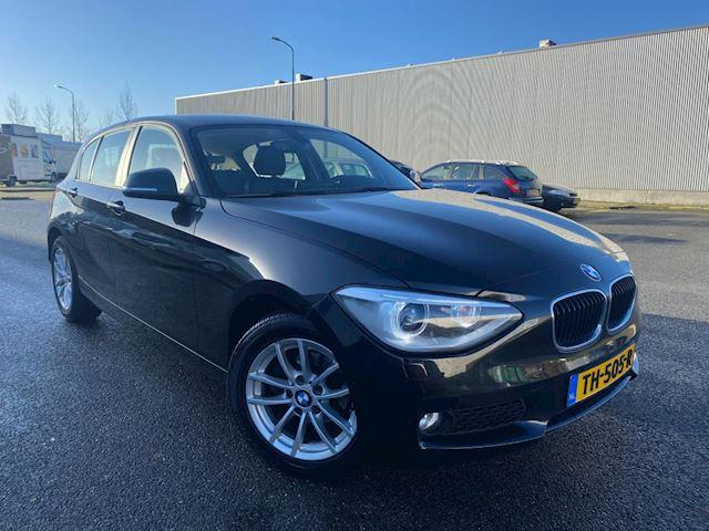 BMW 1-serie 116DHigh Executive/2014/LEER/XENON/BREEDBEELD NAVI/87 DKM!! NAP/1e eigenaar, zeer compleet en super zuinig!!