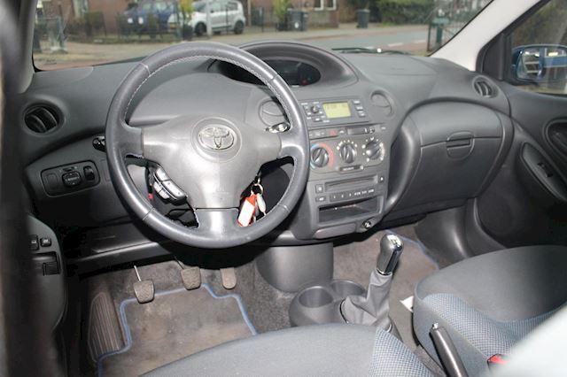 Toyota Yaris 1.3 VVT-i S-Line 5 drs