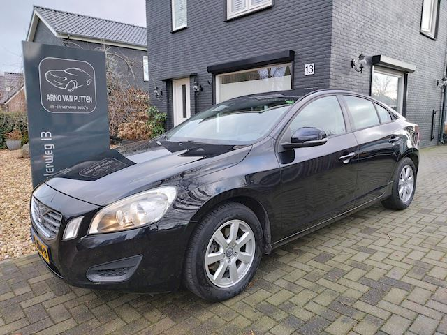 Volvo S60 1.6 T3 Kinetic/ Navigatie/ PDC/ Cruise control