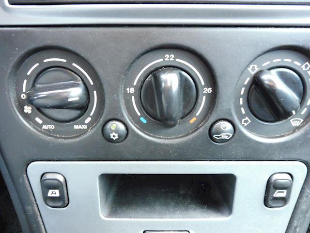 Citroen Xsara Break 1.6i-16V Différence/bj2003/airco/zo meenemen