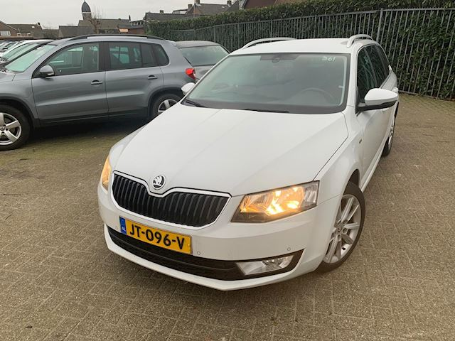 Skoda Octavia Combi 1.6 TDI Greentech JOY Business