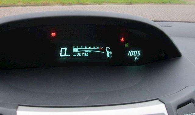 Toyota Yaris 1.3 VVTi Sol !! AIRCO + VOL JAAR APK !!