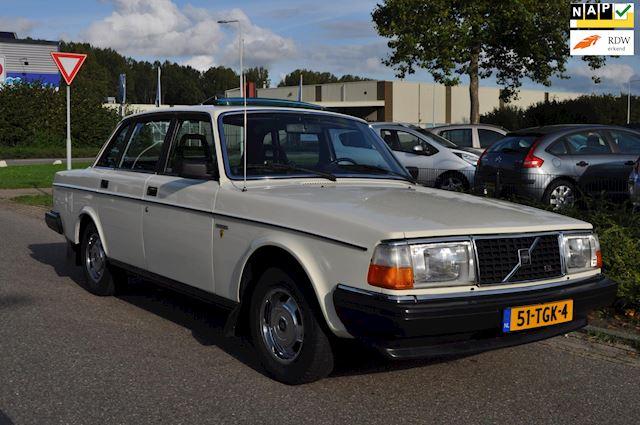 Volvo 244 2.1 GL / ORIGINEEL SCHUIFDAK / NIEUWSTAAT / 2e EIGENAAR / ORIGINEEL SLECHTS 78.561 KM NAP / nieuwe APK