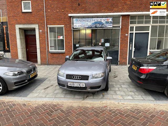 Audi A3 1.6 Attraction Pro Line in nieuwstaat verkerende audi a3 veel opties o a airco