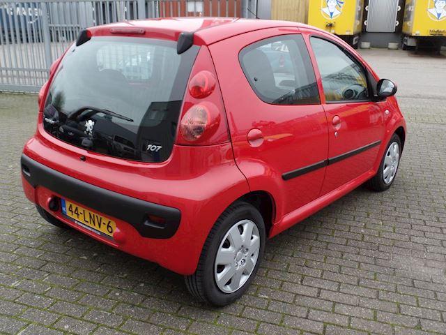 Peugeot 107 1.0-12V XS