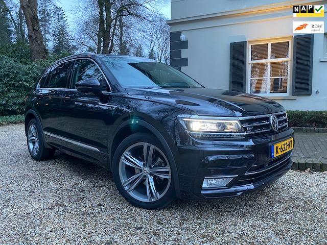 Volkswagen TIGUAN 2,0Tdi R-line Dsg 49500km,leer.pano.keyles.full opties
