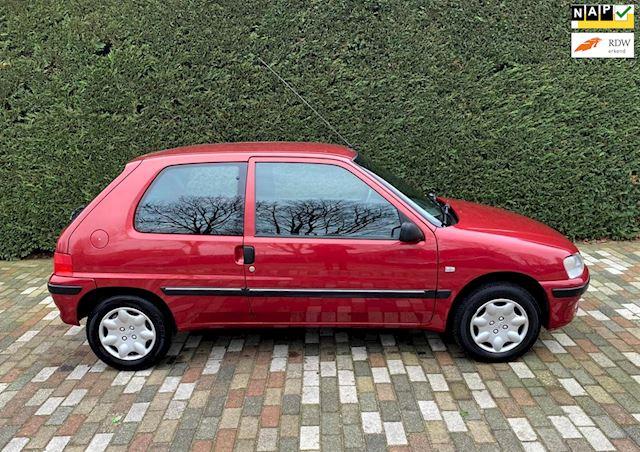 Peugeot 106 1.1 XR ( Uniek lage Km stand 56655 Km )
