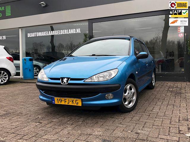 Peugeot 206 1.4 Gentry Nieuwe Apk/Airco/Schuifdak