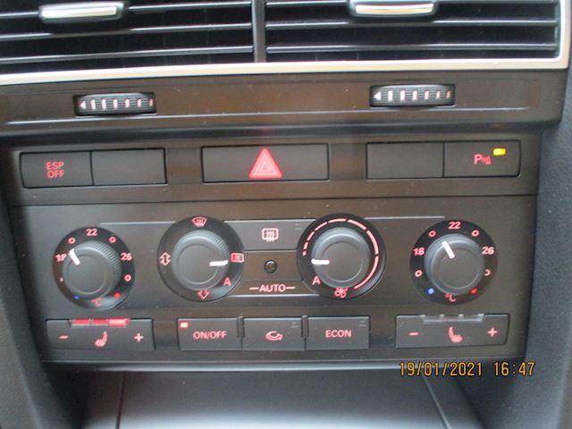 Audi A6 Avant 2.0 TFSI Business Edition Automaat met Leder en Navi
