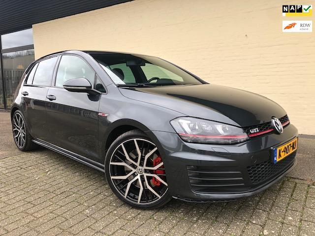 Volkswagen Golf occasion - Verkroost Auto's