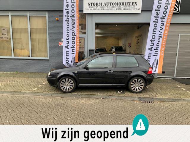 Volkswagen Golf 1.6-16V Trendline met Airco, NAP en een nieuwe APK!!!