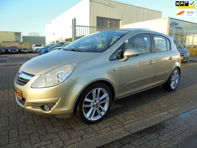 Opel Corsa 1.4-16V Cosmo, Panodak, Airco, Nieuwstaat