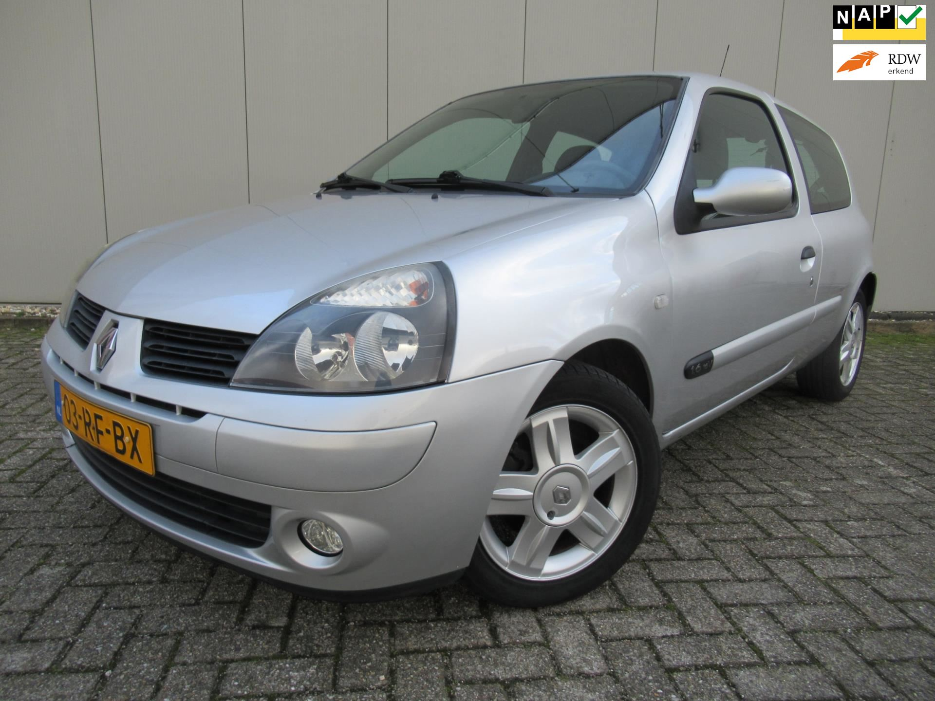 Renault Clio occasion - FR Cars