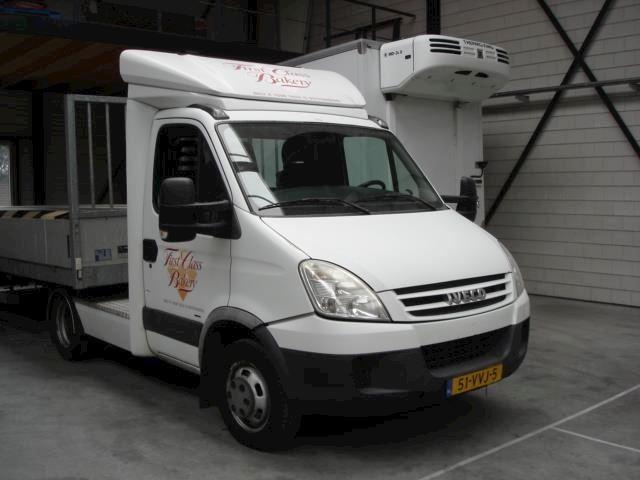 Iveco Daily 40 C 18 300 Trekker incl. koelwagen met laadklep en extra aanhanger