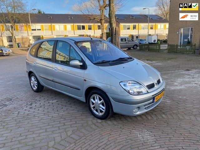 Renault Scénic Eerste eigenaar / 105.000 NAP / Digitale airco / Mooie auto
