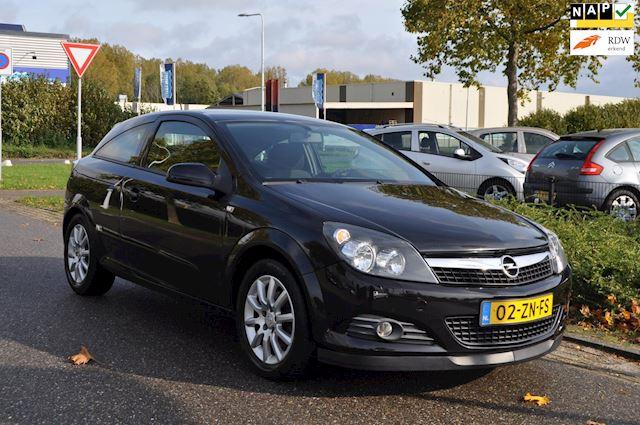 Opel Astra GTC 1.6 Temptation / LM-VELGEN / AIRCO / TREKHAAK / SPORTSTOELEN / nieuwe APK / NAP / COMPLEET UITGEVOERD