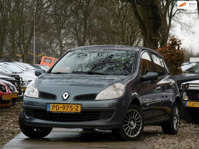 Renault Clio occasion - Dunant Cars