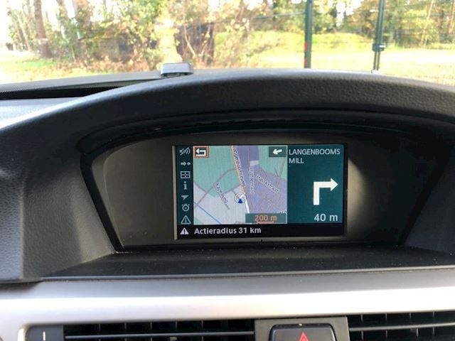BMW 3-serie 320i Business Line automaat navigatie clima leer
