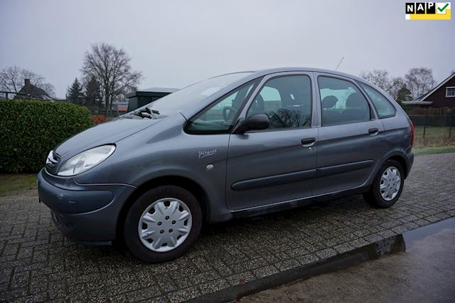 Citroen Xsara Picasso 2.0i-16V Différence automaat