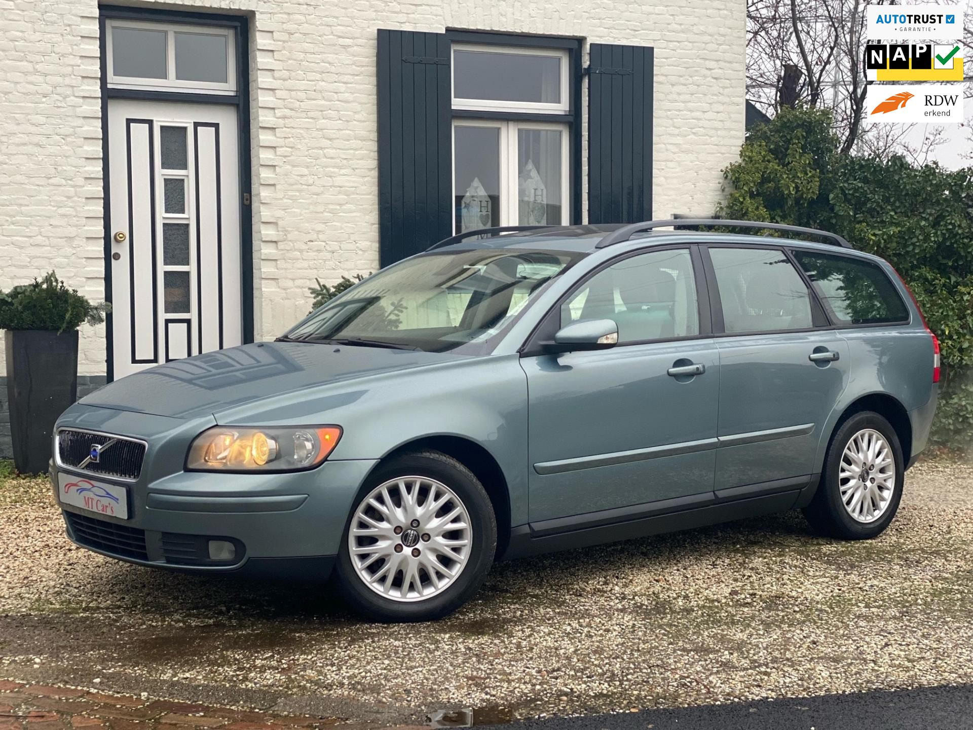 Volvo V50 occasion - M.T.  Cars & Carcleaningcenter