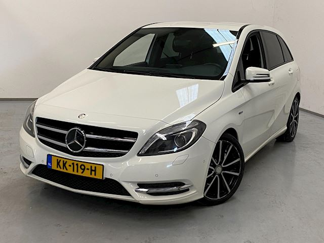 Mercedes-Benz B-klasse 180 Sport / Navi / Stoelverw. / LED