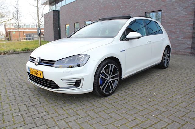 Volkswagen Golf 1.4 TSI GTE panoramadak stoelverwarming achteruitrij camera