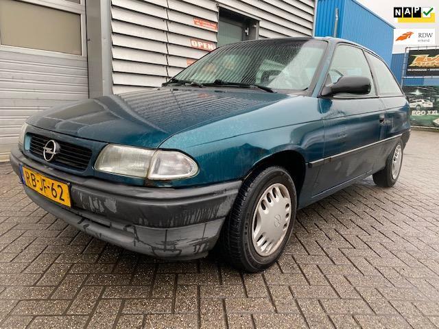Opel Astra occasion - LVG Handelsonderneming