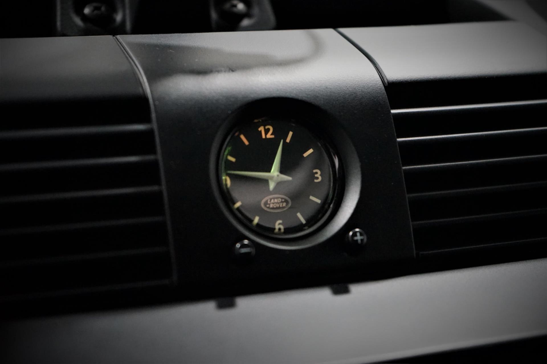 Land Rover Defender occasion - Peter Schouten Auto's
