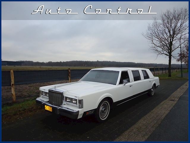 Lincoln Town Car Limo 1985!