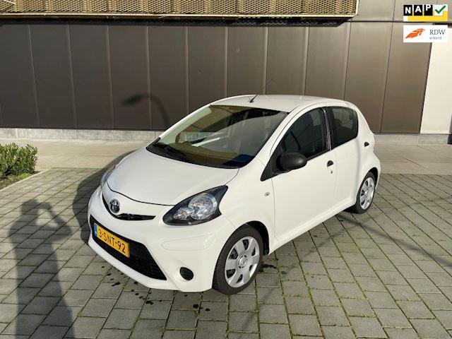 Toyota Aygo 1.0 VVT-i Now + Airco, Elektr. ramen - Volledig dealer onderhouden