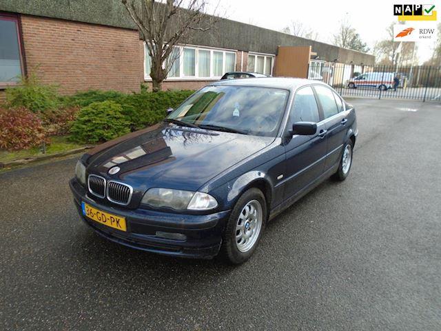 BMW 3-serie 320i Airco Boekjes Nap
