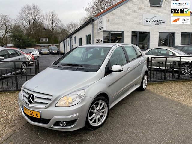 Mercedes-Benz B-klasse 180 Business Class in nette staat!