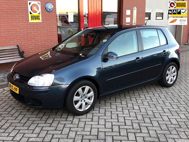 Volkswagen Golf 1.6 FSI Optive