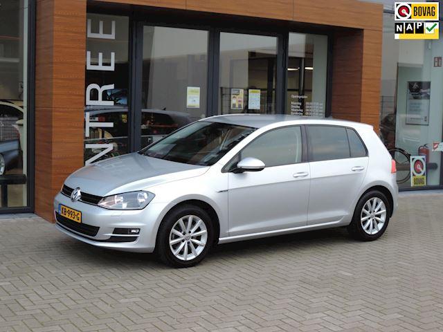 Volkswagen Golf 1.6 TDI 110PK Lounge Automaat | Camera | Stoelverw | Navi | Pdc | Afneembare trekhaak