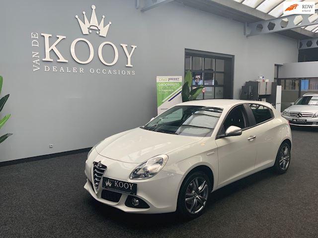 Alfa Romeo Giulietta occasion - Van De Kooy Dealer Occasions Opmeer