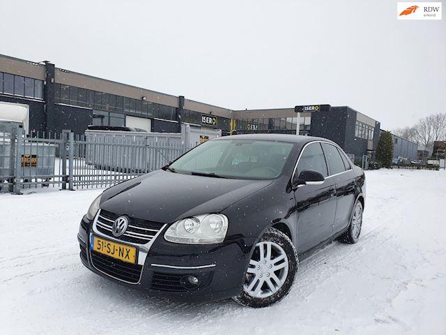 Volkswagen Jetta 2.0 TDI Sportline/AUT/CRUISE/PSENSOR/CLIMA