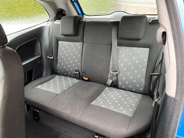 Ford Fiesta 1.3 Style, nieuwe APK, stuurbekr, 3-drs inruilkoopje